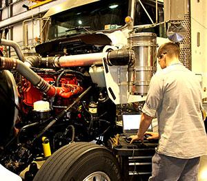 truck-service-engine-diagnostics